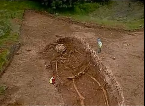 giant skeleton in india
